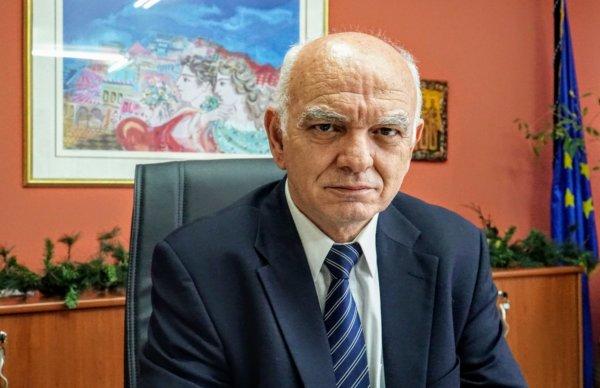 Ο κ. Γεώργιος Δοδοντσάκης είναι Περιφερειακός Διευθυντής Εκπαίδευσης Θεσσαλίας