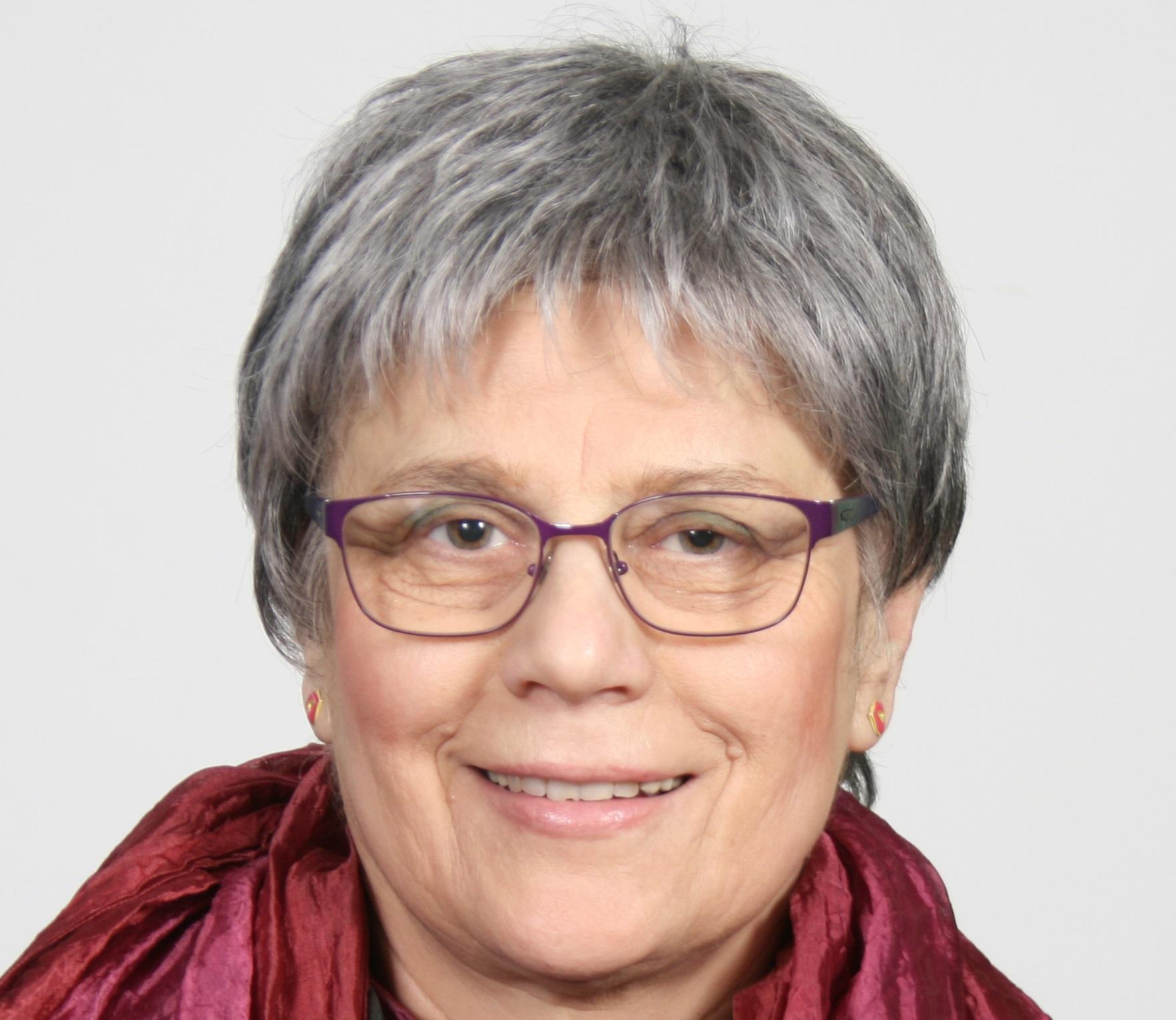 Η κα Κατερίνα Αναγνώστου είναι συγγραφέας παιδικής λογοτεχνίας