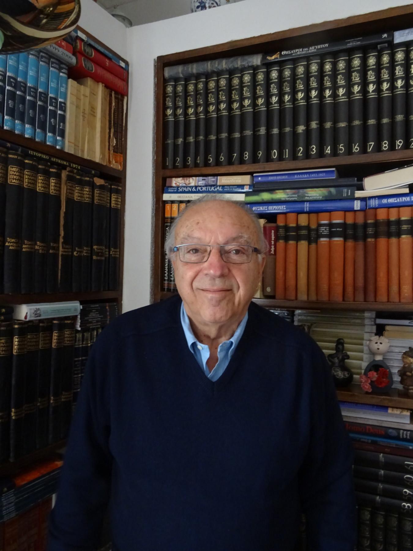 Ο κ. Θεοφάνης Γέμτος είναι ομότιμος Καθηγητής του Πανεπιστημίου Θεσσαλίας