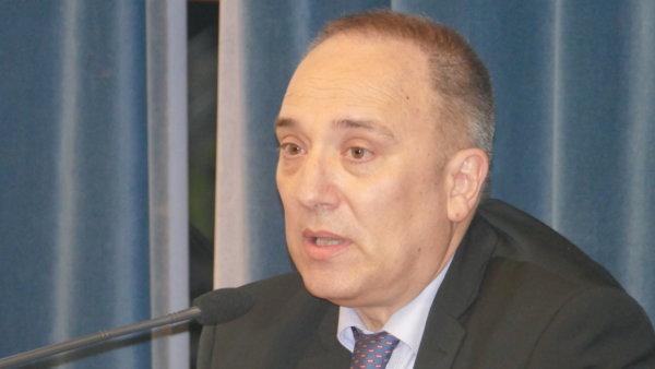 O κ. Ευάγγελος Θ. Καραμανές είναι Διευθυντής Ερευνών στο Κέντρον Ερεύνης της Ελληνικής Λαογραφίας της Ακαδημίας Αθηνών