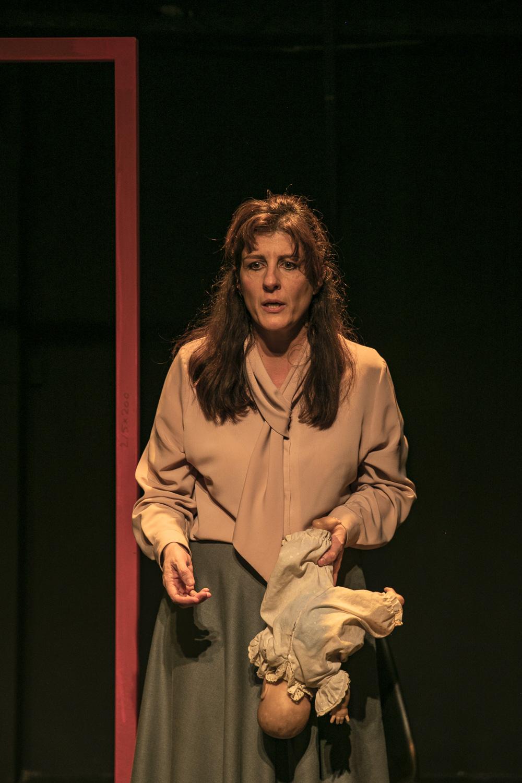Η Γιασεμί Κηλαηδόνη είναι ηθοποιός. Φωτ. Ανδρέας Σιμόπουλος